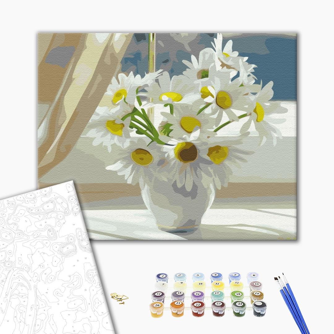 Картина по номерам Цветы - Ромашки в белой вазе на окне